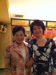 経済誌「財界」<ゆかいな仲間 篠原欣子さんを囲む会>に登場しました。